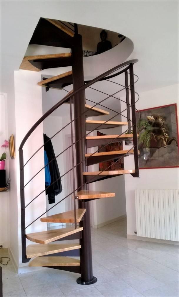 Escalier hélicoïdal métallique - Atelier des Escaliers Aubaret