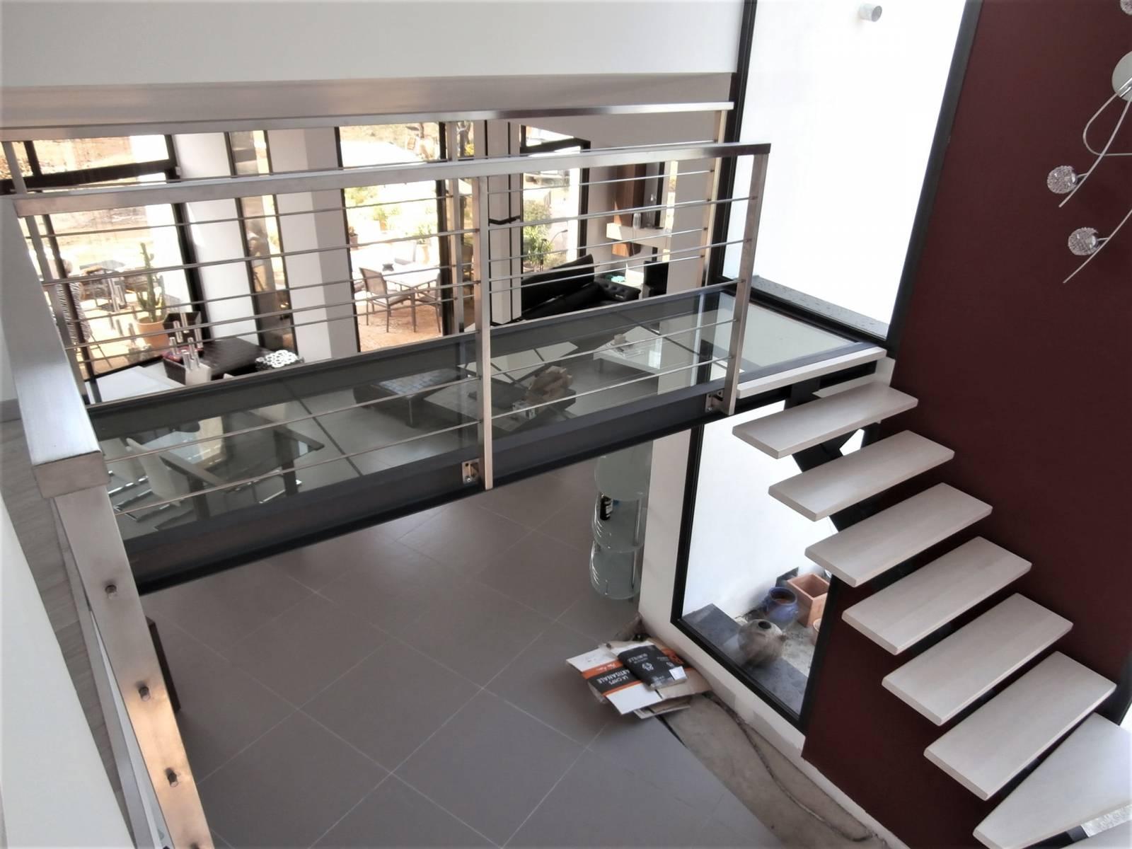 Escalier 1/4 tournant limon central métallique - Atelier des ...