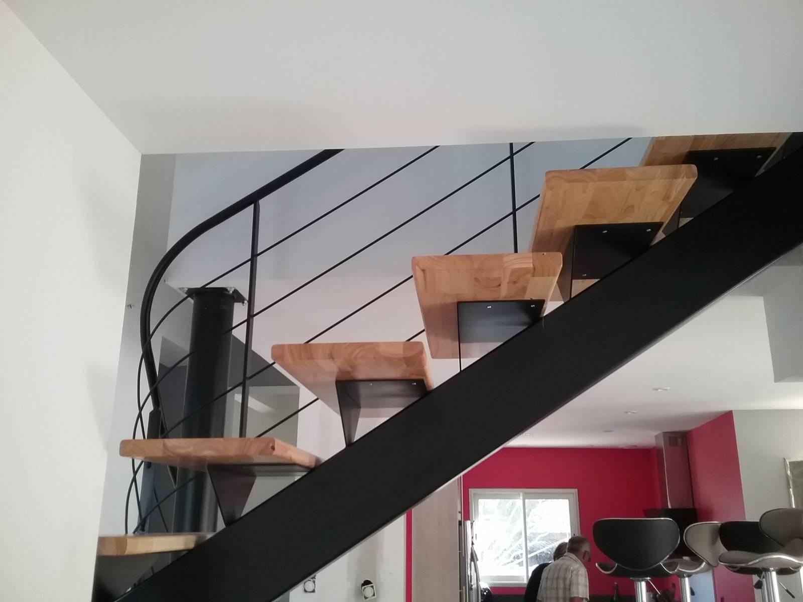 escalier 2 4 tournant haut limon central atelier des escaliers aubaret. Black Bedroom Furniture Sets. Home Design Ideas