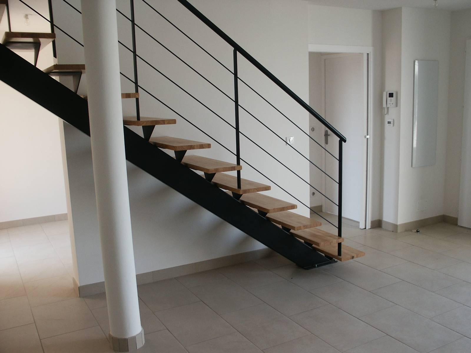 escalier droit limon m tallique aix en provence 13 atelier des escaliers aubaret. Black Bedroom Furniture Sets. Home Design Ideas