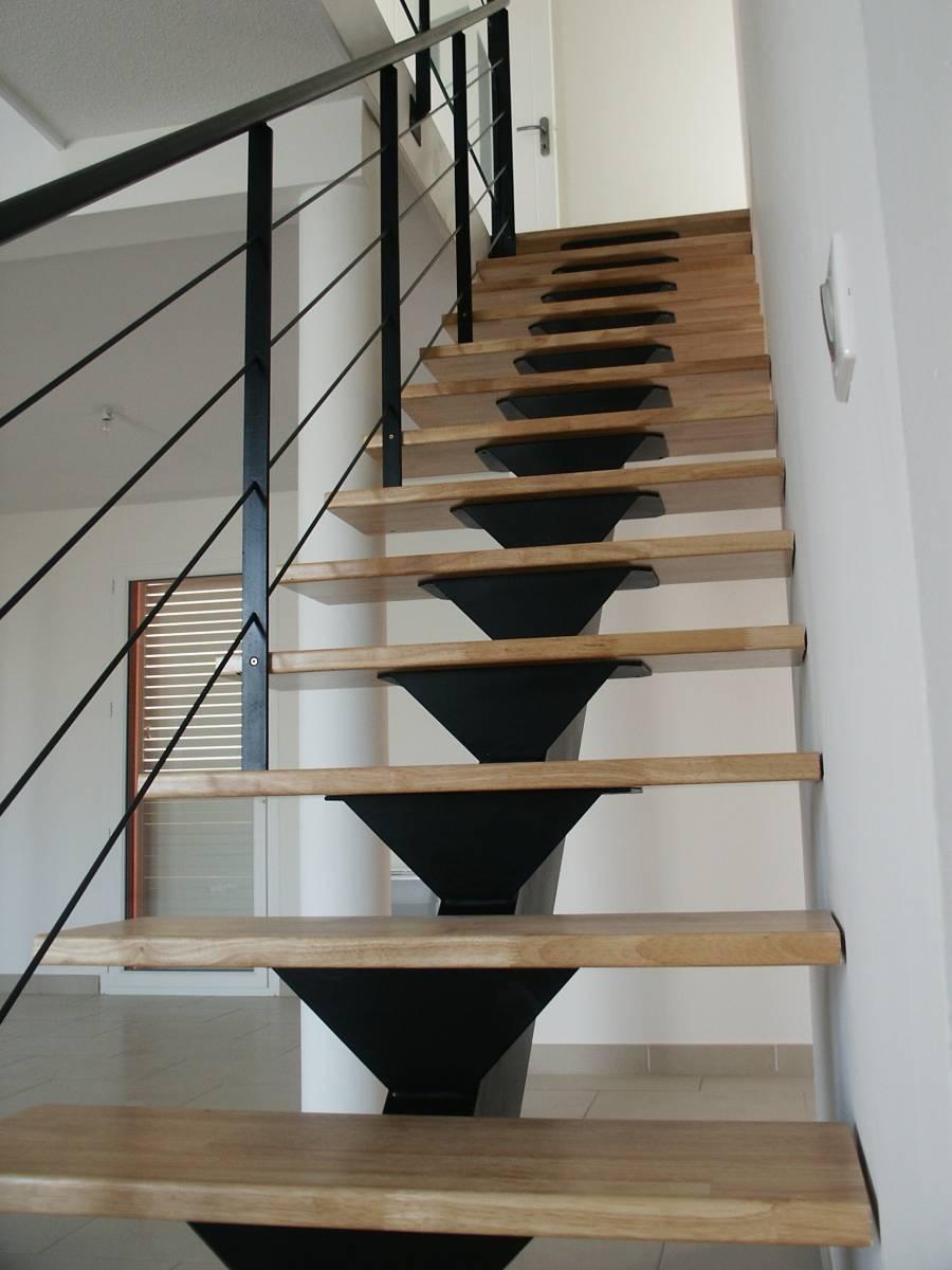 Escalier Limon Central Droit Atelier Des Escaliers Aubaret