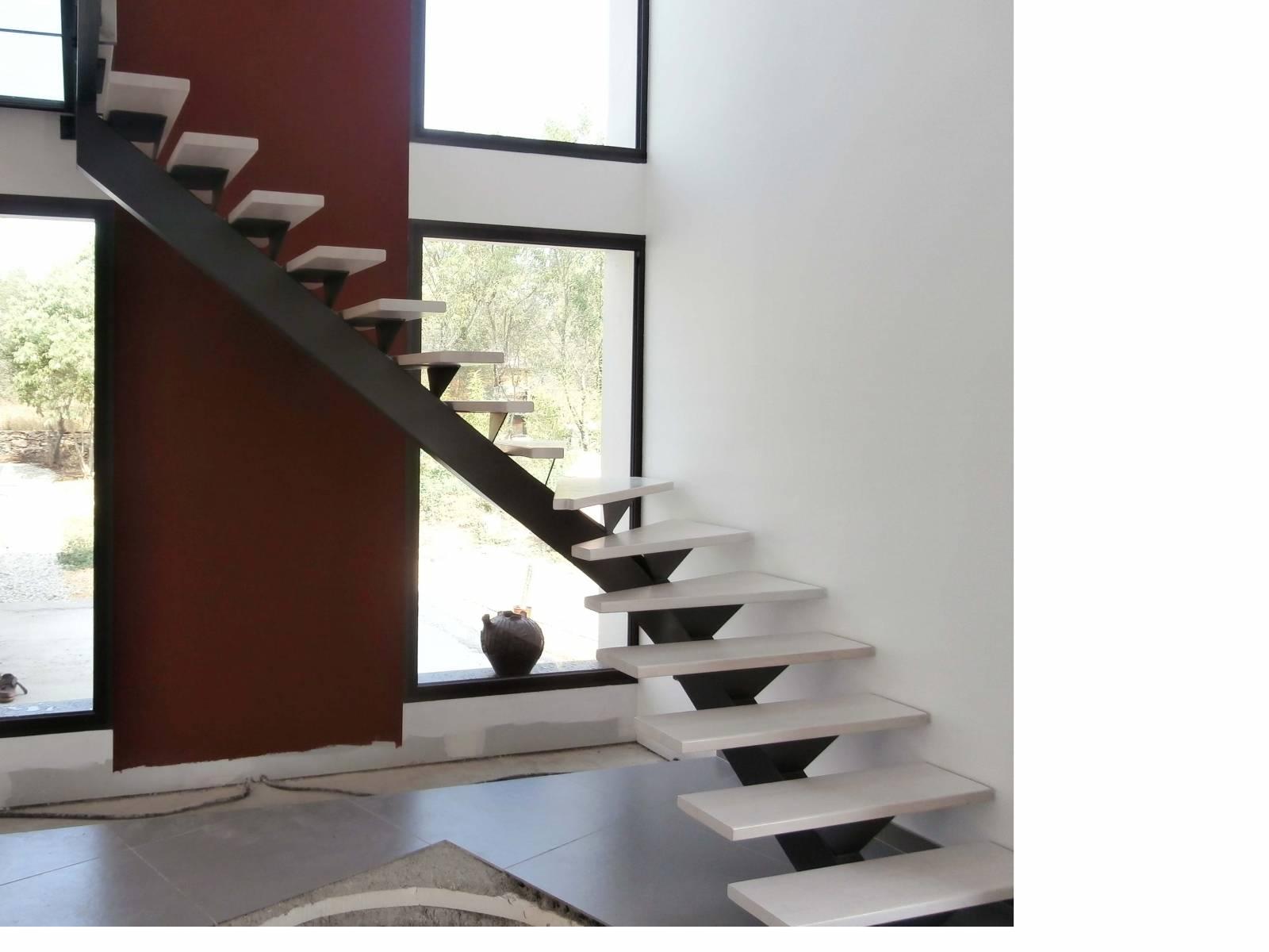 escalier 1 4 tournant limon central m tallique atelier des escaliers aubaret. Black Bedroom Furniture Sets. Home Design Ideas