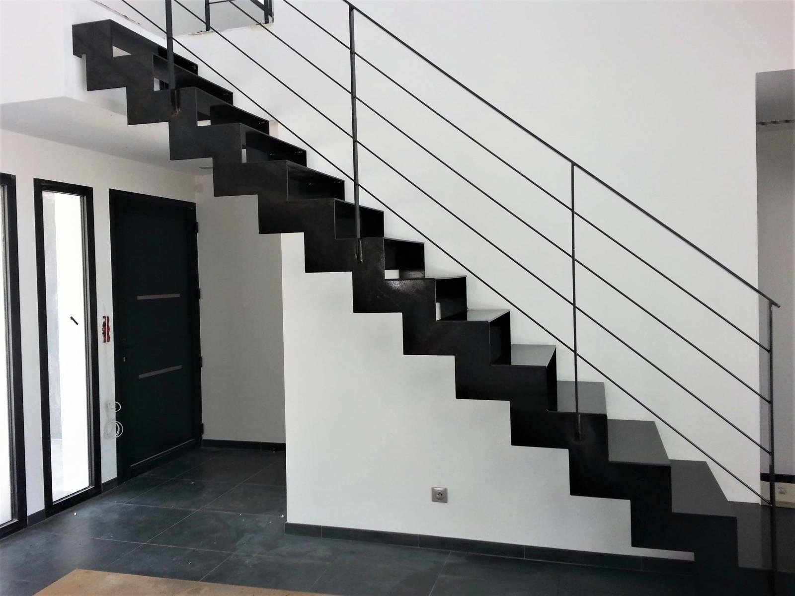 escalier m tallique cr mailleres atelier des escaliers aubaret. Black Bedroom Furniture Sets. Home Design Ideas