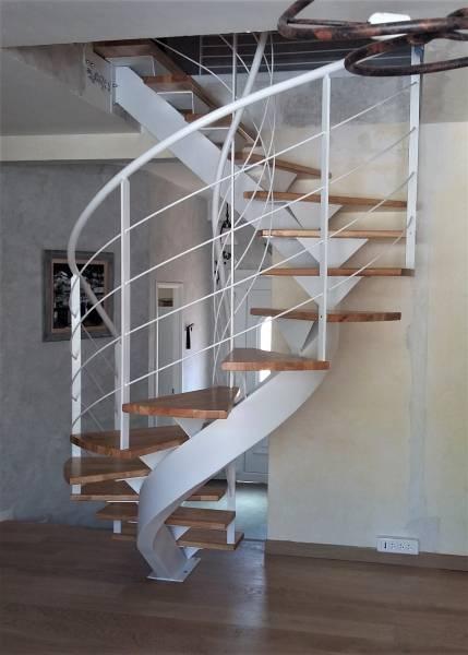 installer escalier de fabrication artisanale orange. Black Bedroom Furniture Sets. Home Design Ideas