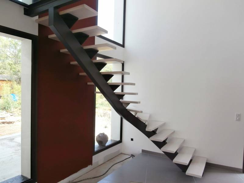 installer escalier de fabrication artisanale orange atelier des escaliers aubaret. Black Bedroom Furniture Sets. Home Design Ideas