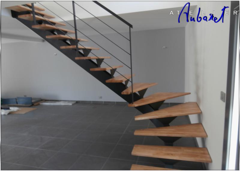 fabrication sur mesure d 39 escaliers en m tal modernes montpellier atelier des escaliers aubaret. Black Bedroom Furniture Sets. Home Design Ideas